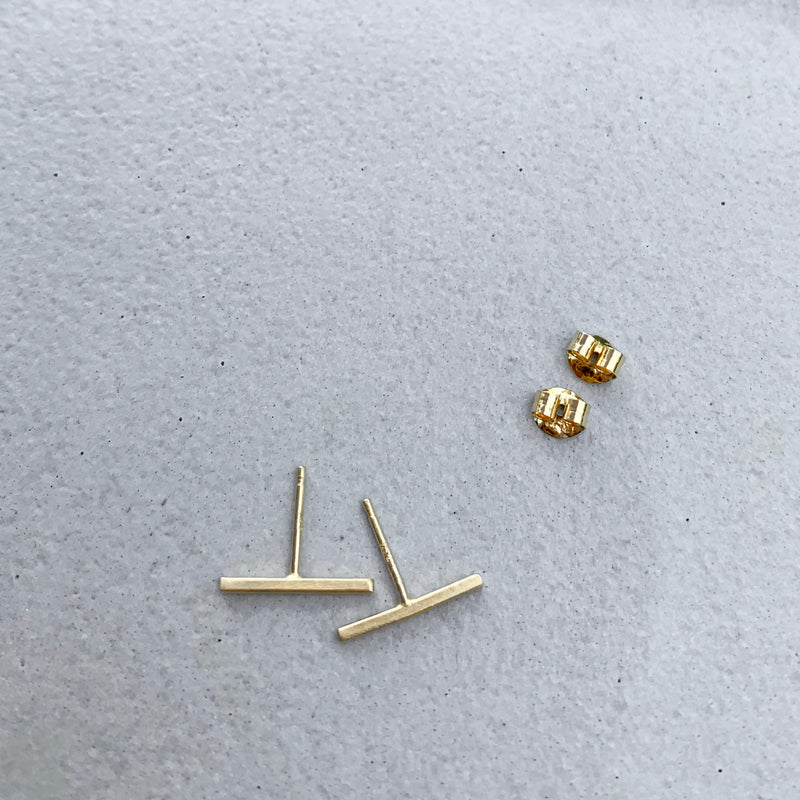 Thin line earrings - small / עגילי קו דקים