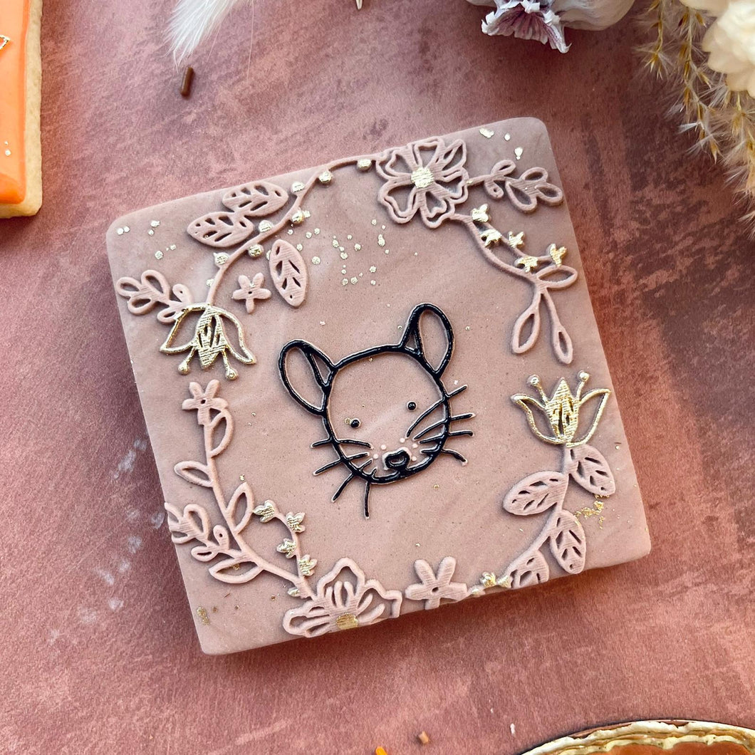 Mouse And Floral Wreath Cookie Embosser