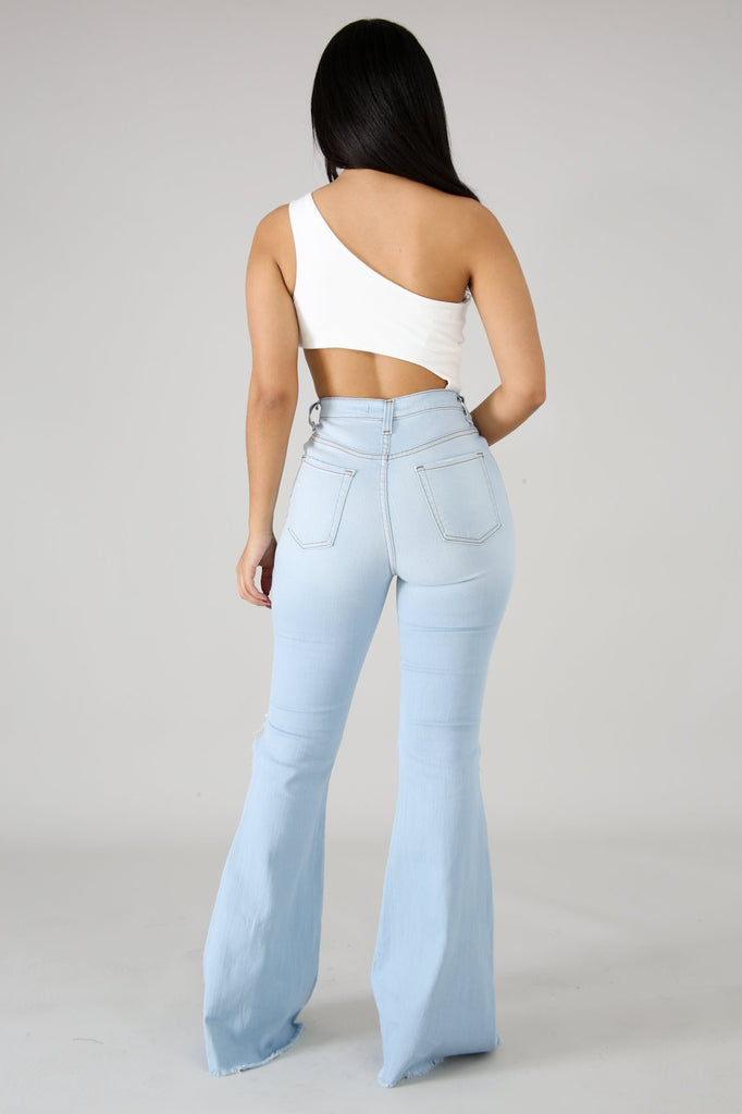 Knee Rip Flare Jean in Sky Blue