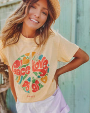 Daisy Peace, Love & Dogs t-Shirt