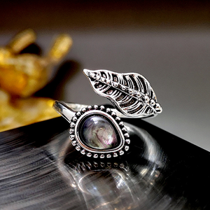 Ladies Bohemian Shell Moonstone Ring Leaf Vintage Thai Silver Ring