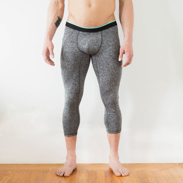 Momentum Compression 3/4 Pant in Granite