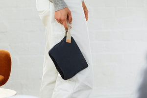 Bellroy Standing Pouch, Charcoal