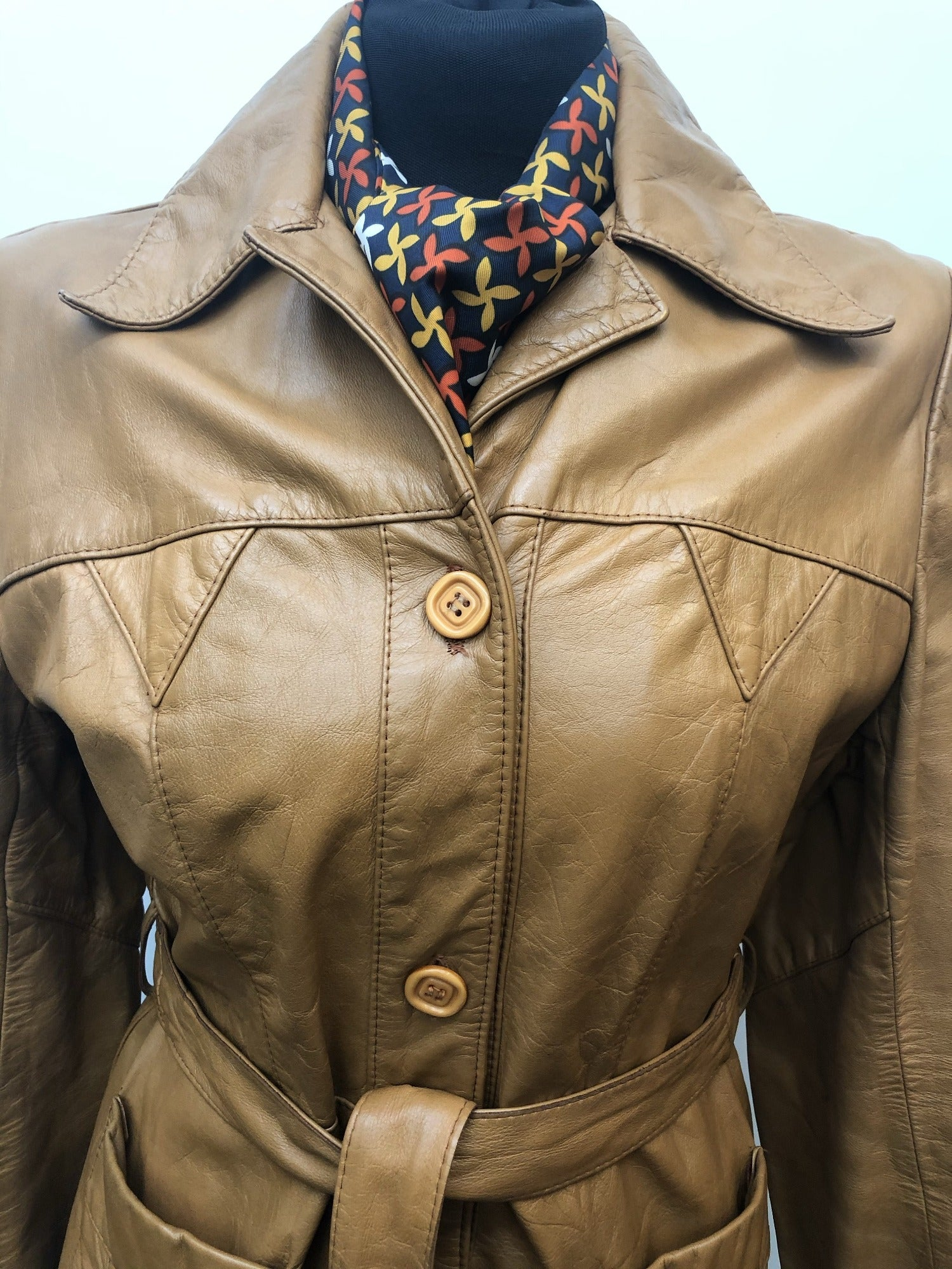 12  womens jacket  womens  vintage  Tan  light brown  Leather Jacket  Leather detailing  Leather  Jacket  brown leather  brown  70s  1970s urban village vintage