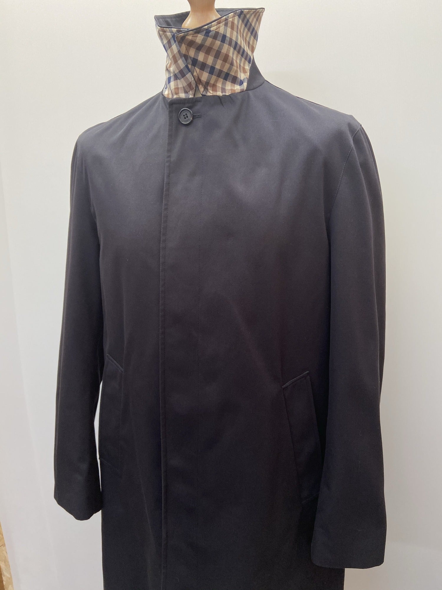vintage  village  urban  trench  navy  mac  M  long  length  Jacket  club  check  blue  aquascutum  40  3/4