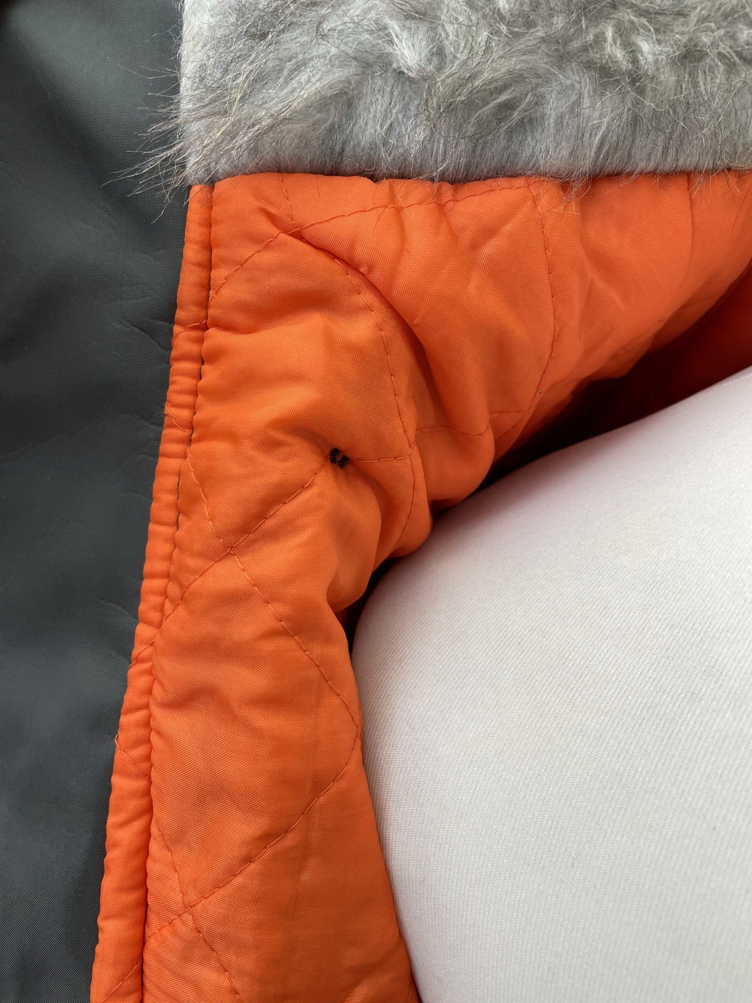 Winter Jacket  Winter Coat  winter  vintage  Urban Village Vintage  thick  snorkel jacket  retro  parka  padded  Orange lining  mens  M  lining  Jacket  hooded  hood  Green  faux fur  faux collar  elasticated