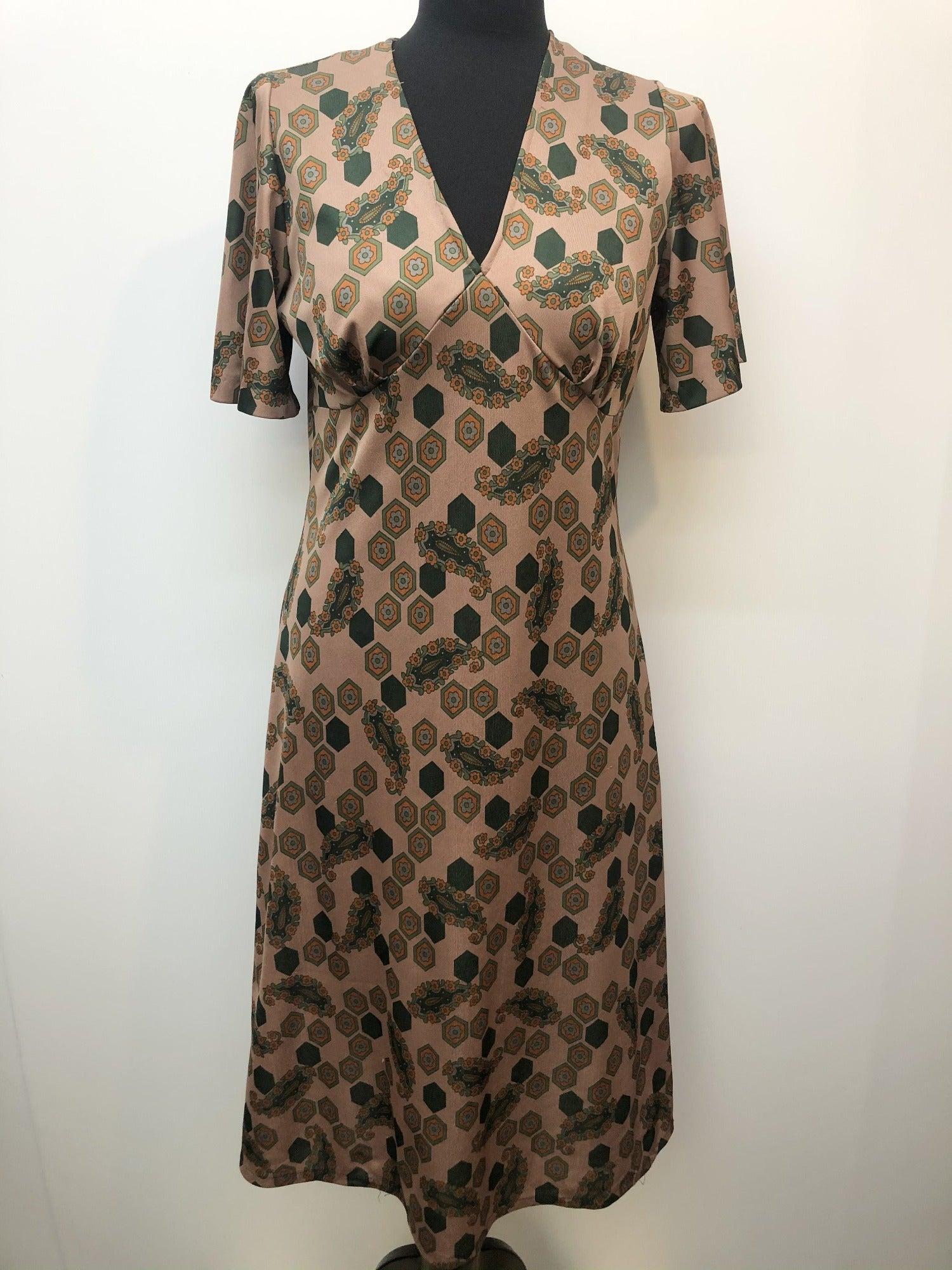 womens  vintage  retro  Paisley Print  paisley  midi dress  midi  hexagon print  green print  dress  brown  70s  1970s  10 urban village vintage