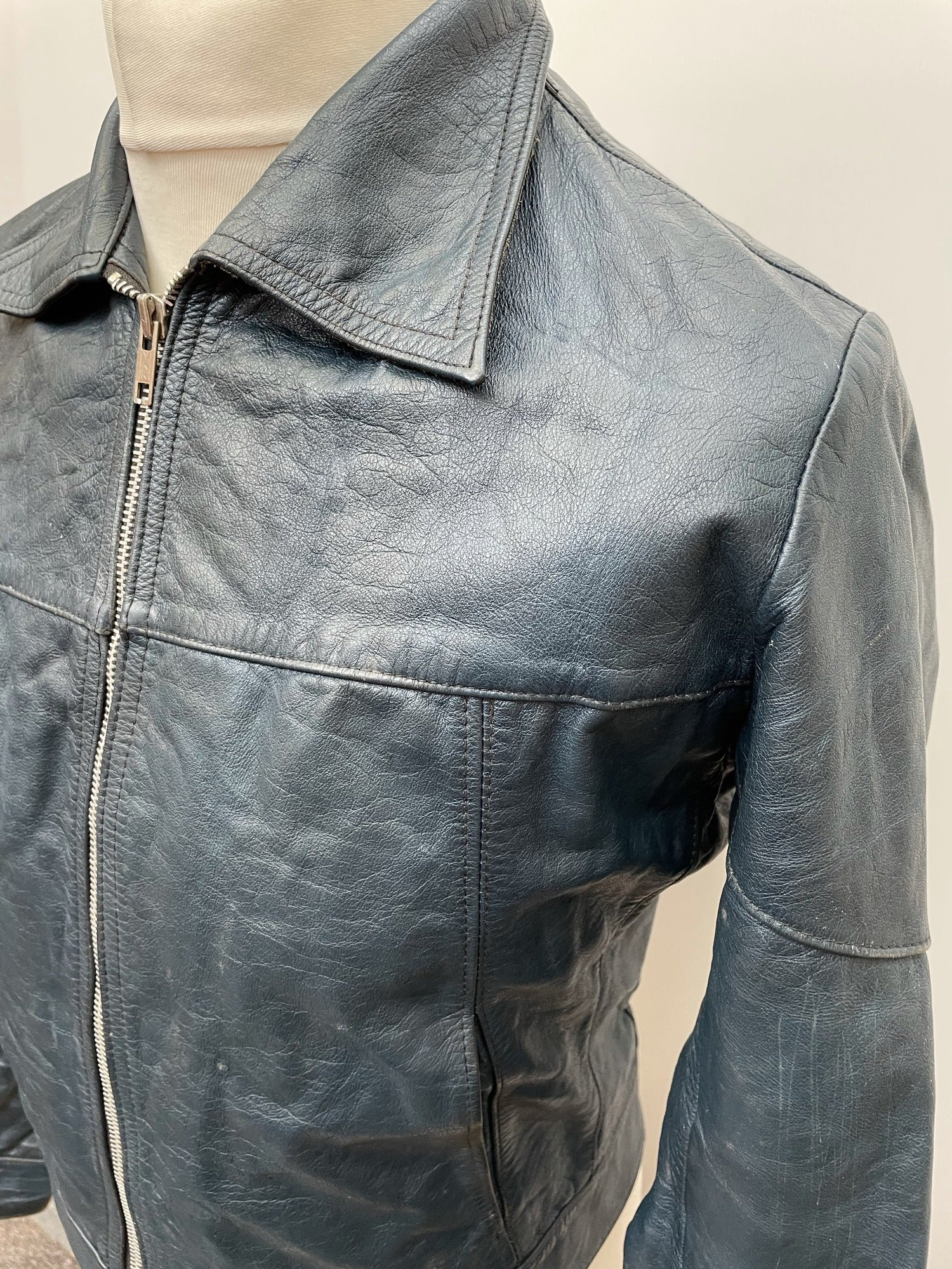 zip  vintage  Urban Village Vintage  retro  pockets  Mens jacket  mens coat  mens  M  Leather Jacket  Leather Coat  Leather  Jacket  denim  collar  blue  big collar  70s  70  1970s