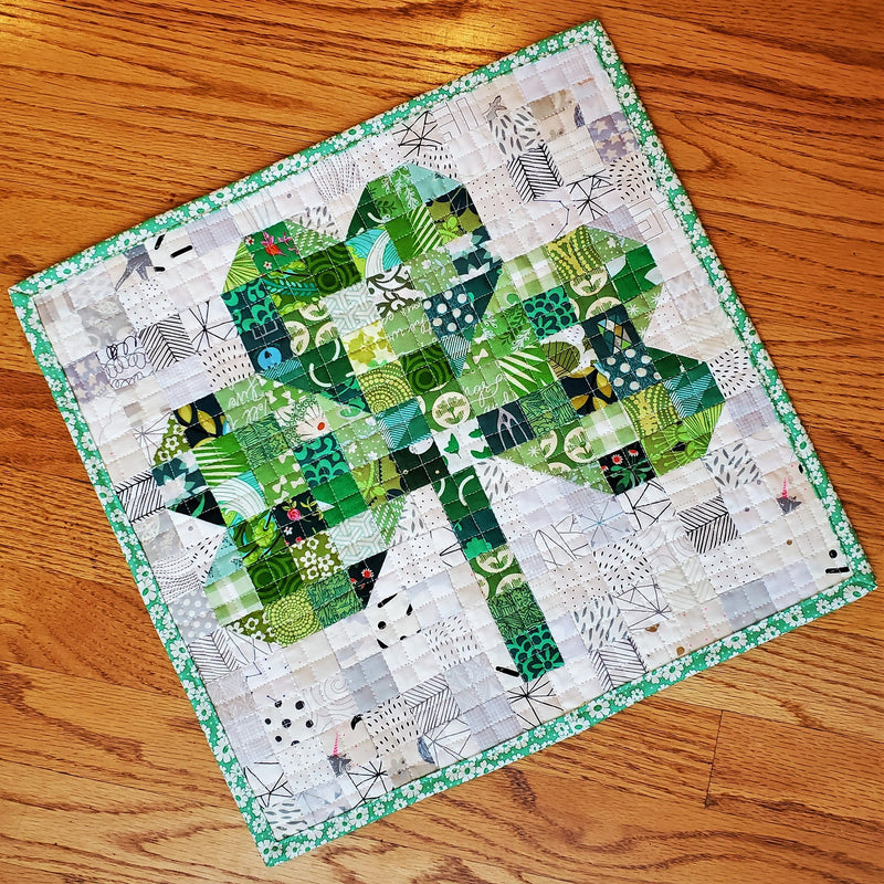 St. Patrick's Day Clover Mini Quilt Pattern Tutorial