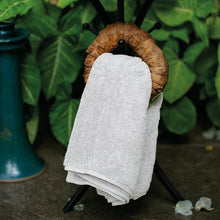 Load image into Gallery viewer, Wardha Indulgence Hand Towel WHITE