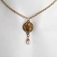 Load image into Gallery viewer, Vintage Button Necklace