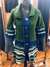 Load image into Gallery viewer, Forest Green Embroidered Collared Cozy Cardigan Coat