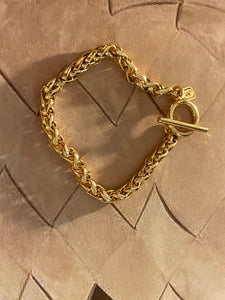 Jones New York 1980 Gold Plated Toggle Chain Bracelet