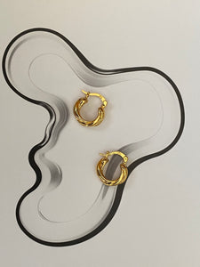 Vintage Estate Solid 14k Yellow Gold Hoop Earrings
