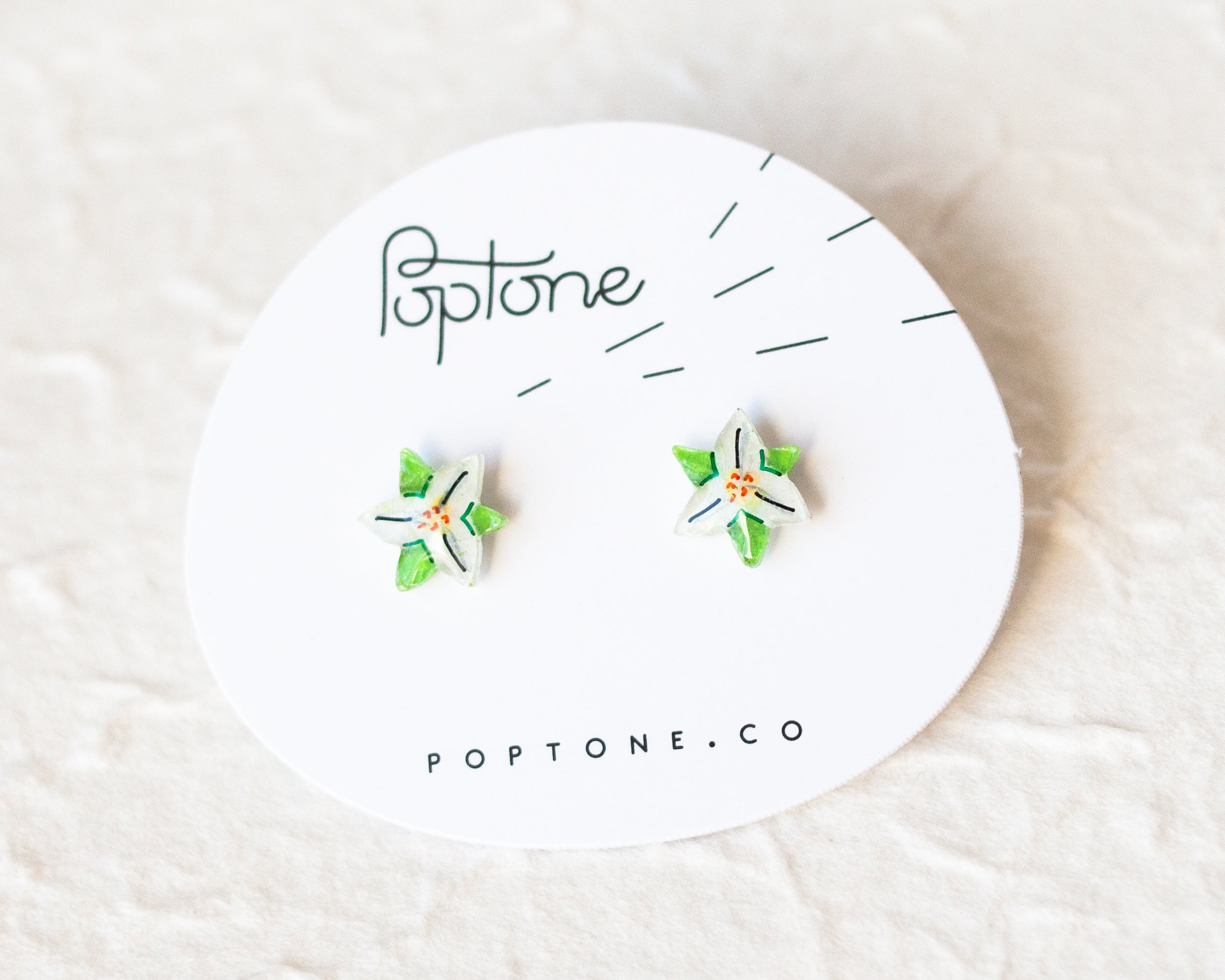 Petite Fleurs: Trillium White Flower Stud Earrings