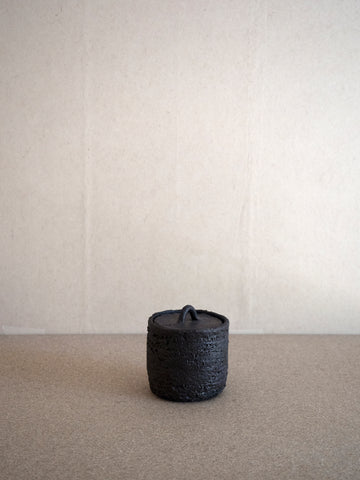 black ceramic box with lid made in France by Jérôme Hirson