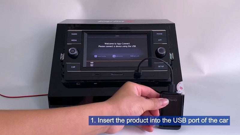 1.Insert the product into the USB port of the car.