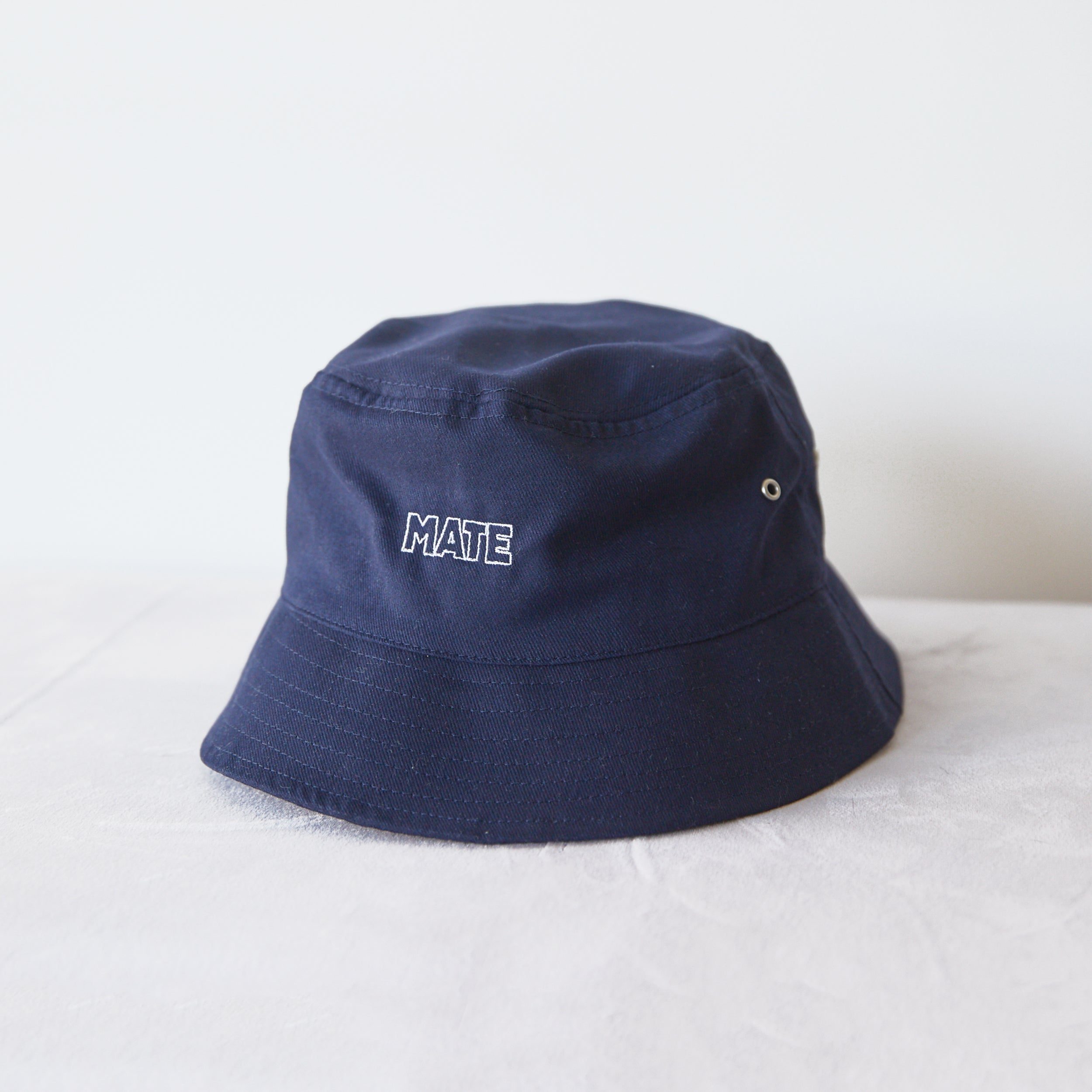 MATE BUCKET HAT - NAVY
