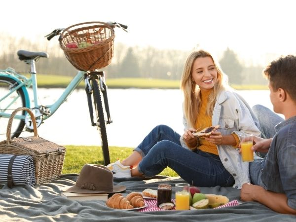 Tips for Planning the Perfect Picnic Date