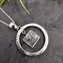 Load image into Gallery viewer, Meteorite and Solid Silver Round Pendant