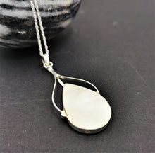 Load image into Gallery viewer, Reversible Paua Shell and Mother of Pearl Pendant