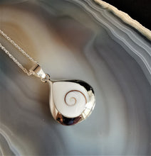 Load image into Gallery viewer, Shiva Eye and Paua Shell Necklace| Natural Jewellery
