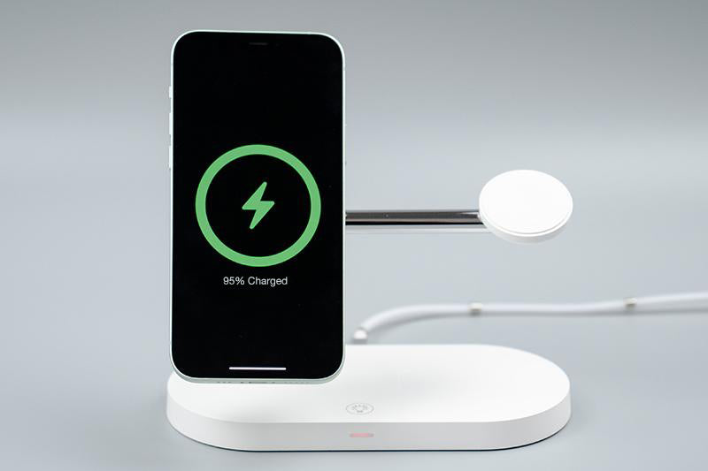 ZEERA 5-in-1 Fast Wireless Charging Stand with 15W MagSafe Charger for iPhone 12, AirPods & Apple Watch