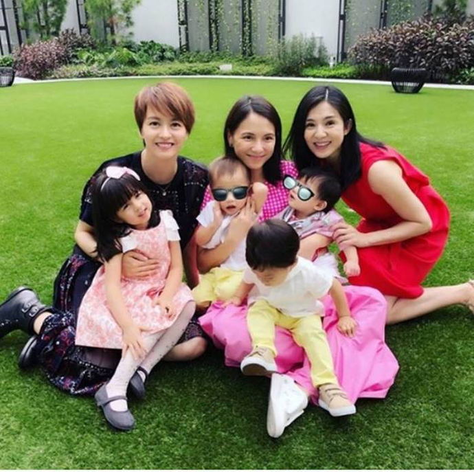 THE DAUGHTER OF GIGI LEUNG AND THE TWIN SONS OF SINJE LEE WEARING SUPER CUTE CLOTHES FROM NANOS SUMM