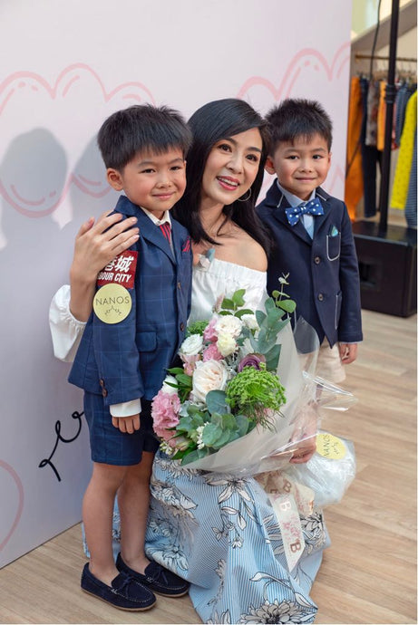 Famous actress Charlie Young showed up in Hong Kong NANOS store opening