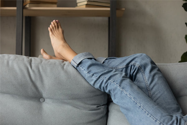How to prevent varicose veins - raise your leg