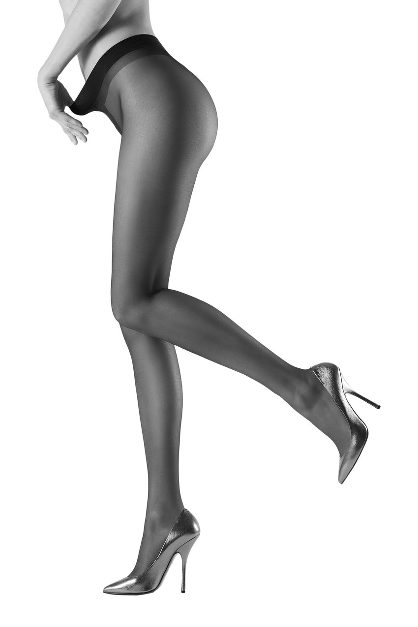 Oroblu Dolcevita 40 Tights Semi-sheer tights with full support at the waist for a leg-lengthening look.