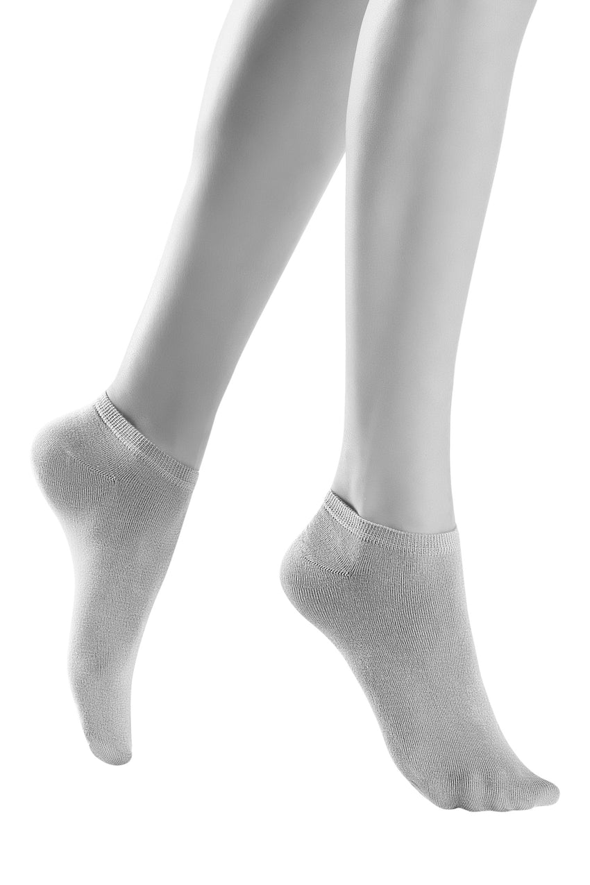 Oroblu Solange Sport No-show socks in classic cotton, designed for sport and running shoes.