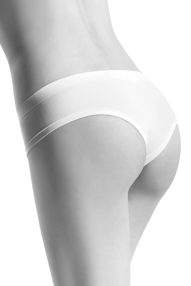 Oroblu Dolcevita Culotte Soft and smooth shorty panties with cheeky appeal and a lightweight cotton gusset.