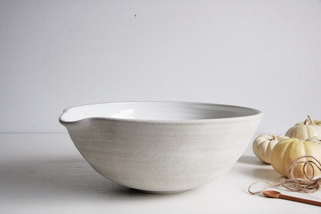 Stoneware Clay Pour Bowl with Vegetables on Side