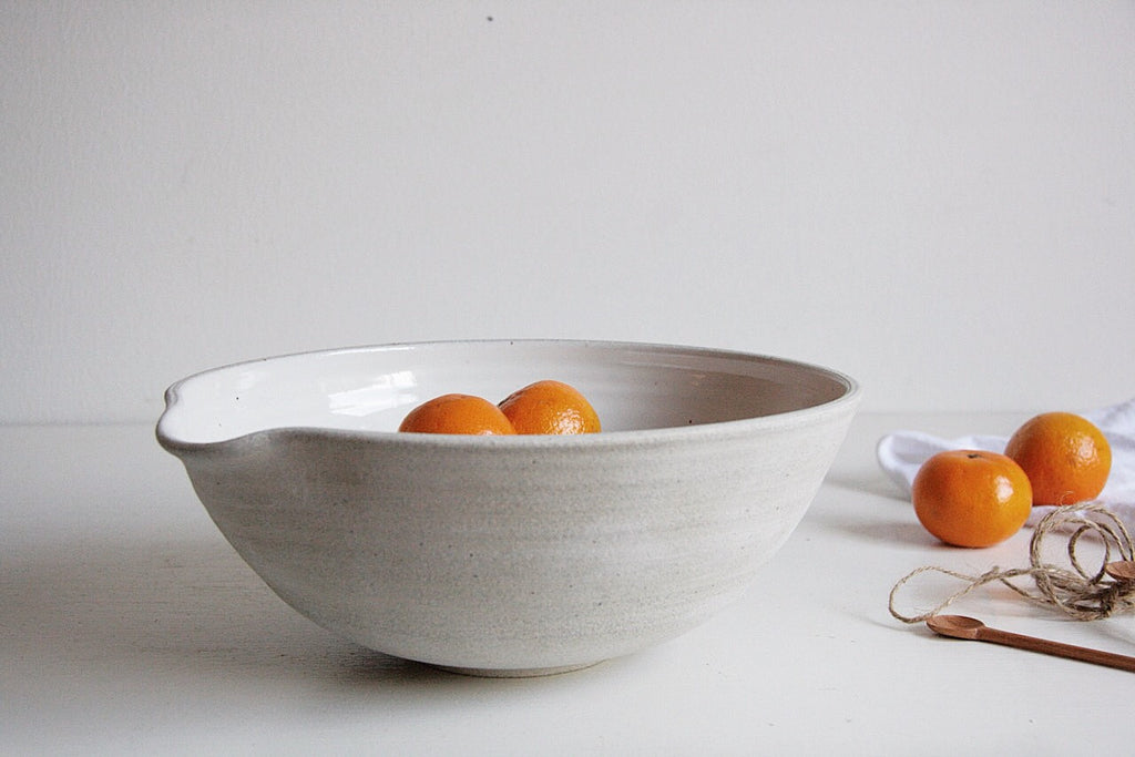 Large Ceramic Pour Bowl with Tomatoes
