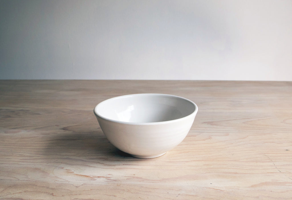 Farmhouse Pottery Soup Bowl in Classic White