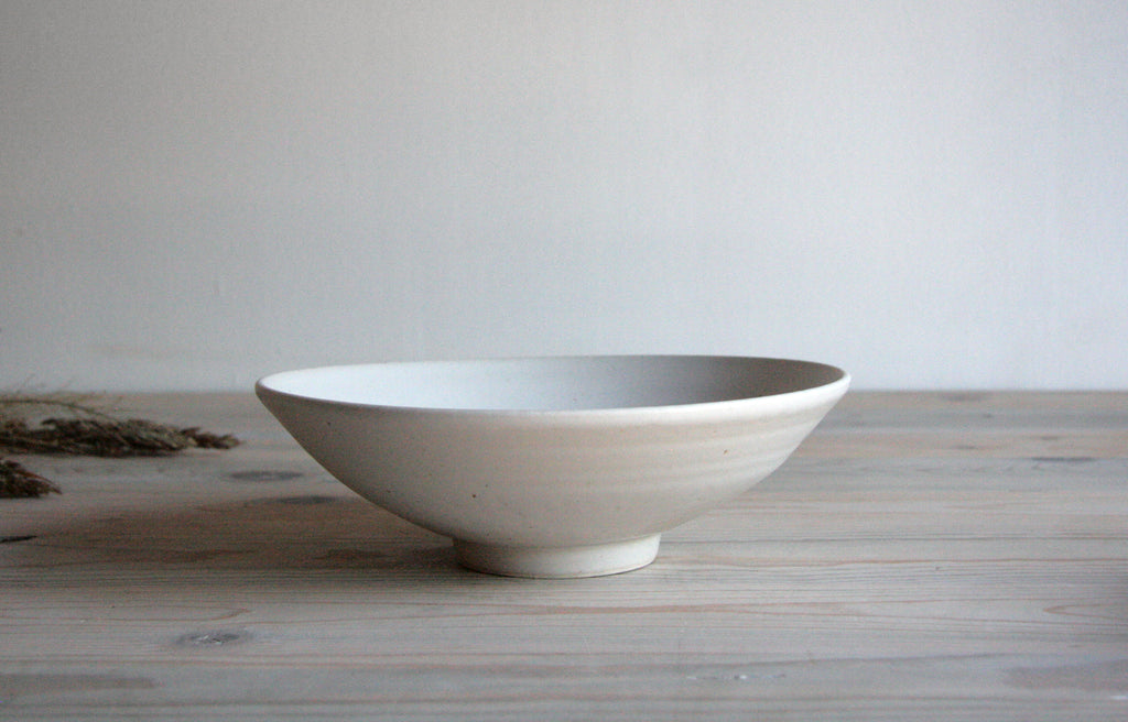 Farmhouse Stoneware Flared Bowl Eggshell