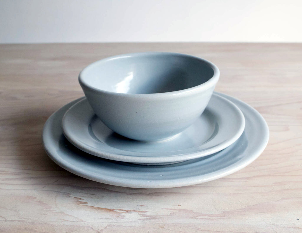 Farmhouse Ceramic Bowl and Plate Set