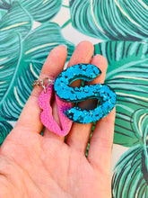 Load image into Gallery viewer, Teal Glitter Initial Keyring