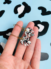 Load image into Gallery viewer, Small Black and White Speckle Monstera Leaf Earrings