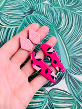Load image into Gallery viewer, Hot Pink Leopard Print Stone Dangle Earrings