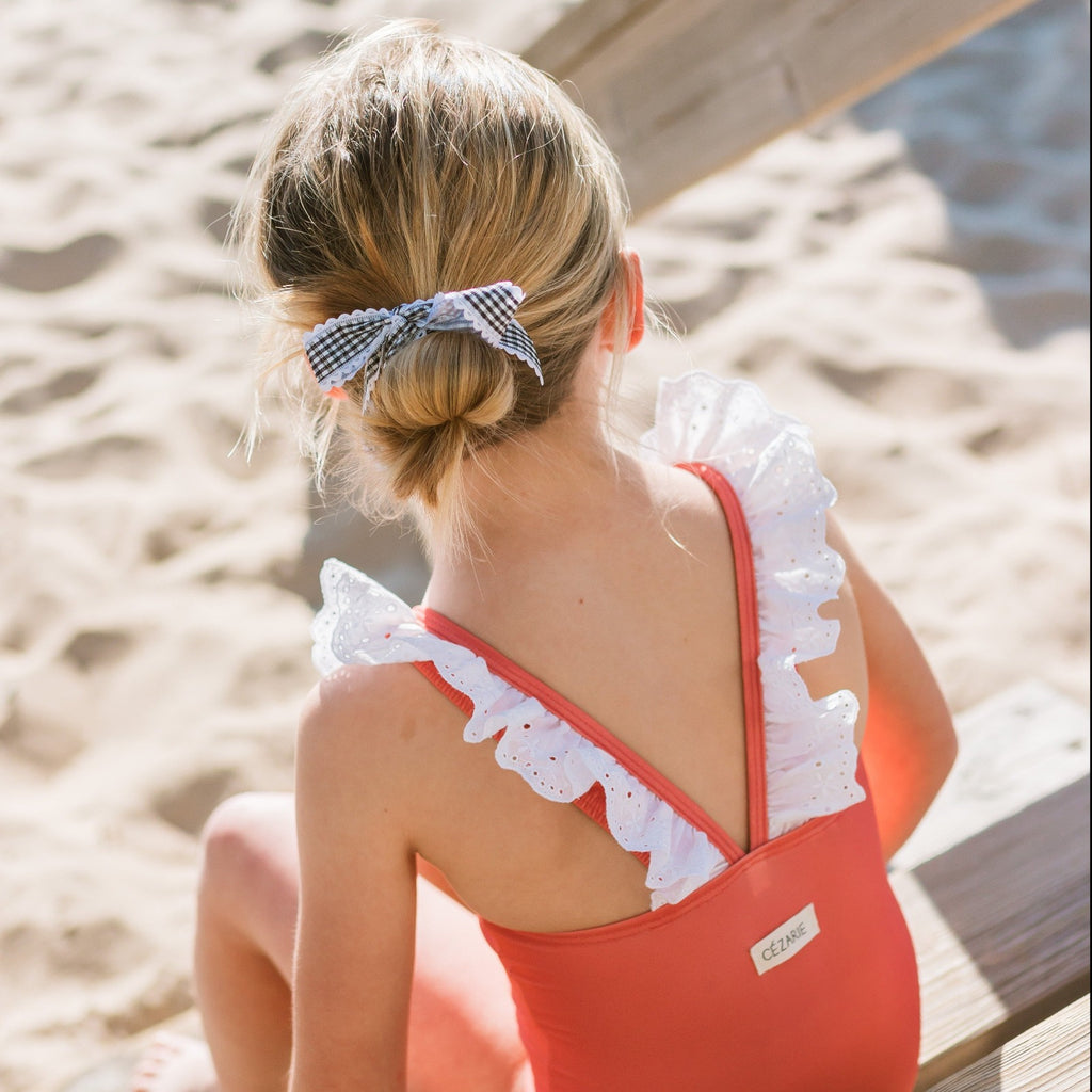 Maillot-bain-fille-volant-corail-dos
