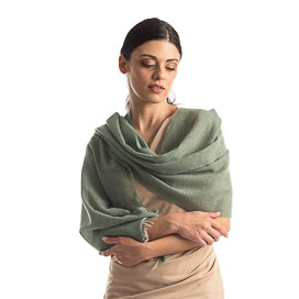 womens cashmere wraps from Italy