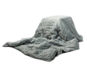 Grey plush minky weighted blanket - Mandala Wellth Canada
