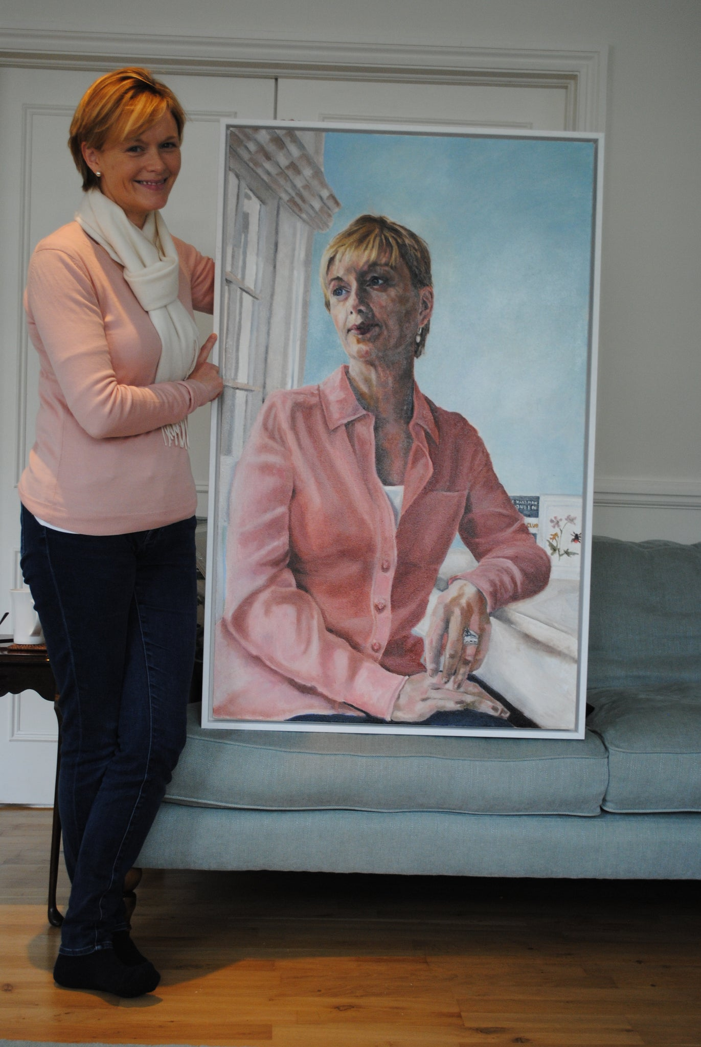ITN News' Julie Etchingham with her portrait by Stella Tooth
