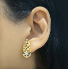 Load image into Gallery viewer, 9K YG Diamond Cluster Earring-1pair