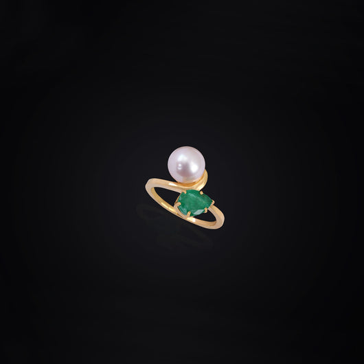 18K YG Emerald and Pearl Ring