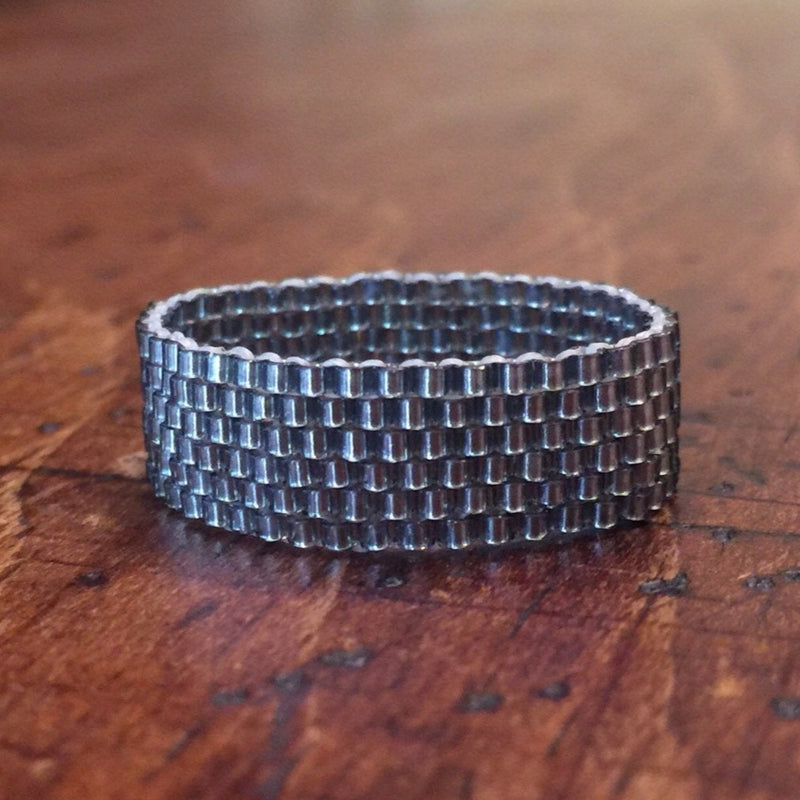 Modern Ring - Grayscale