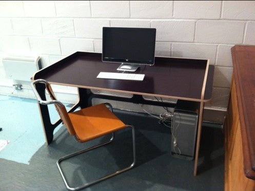 Nell Desk in use