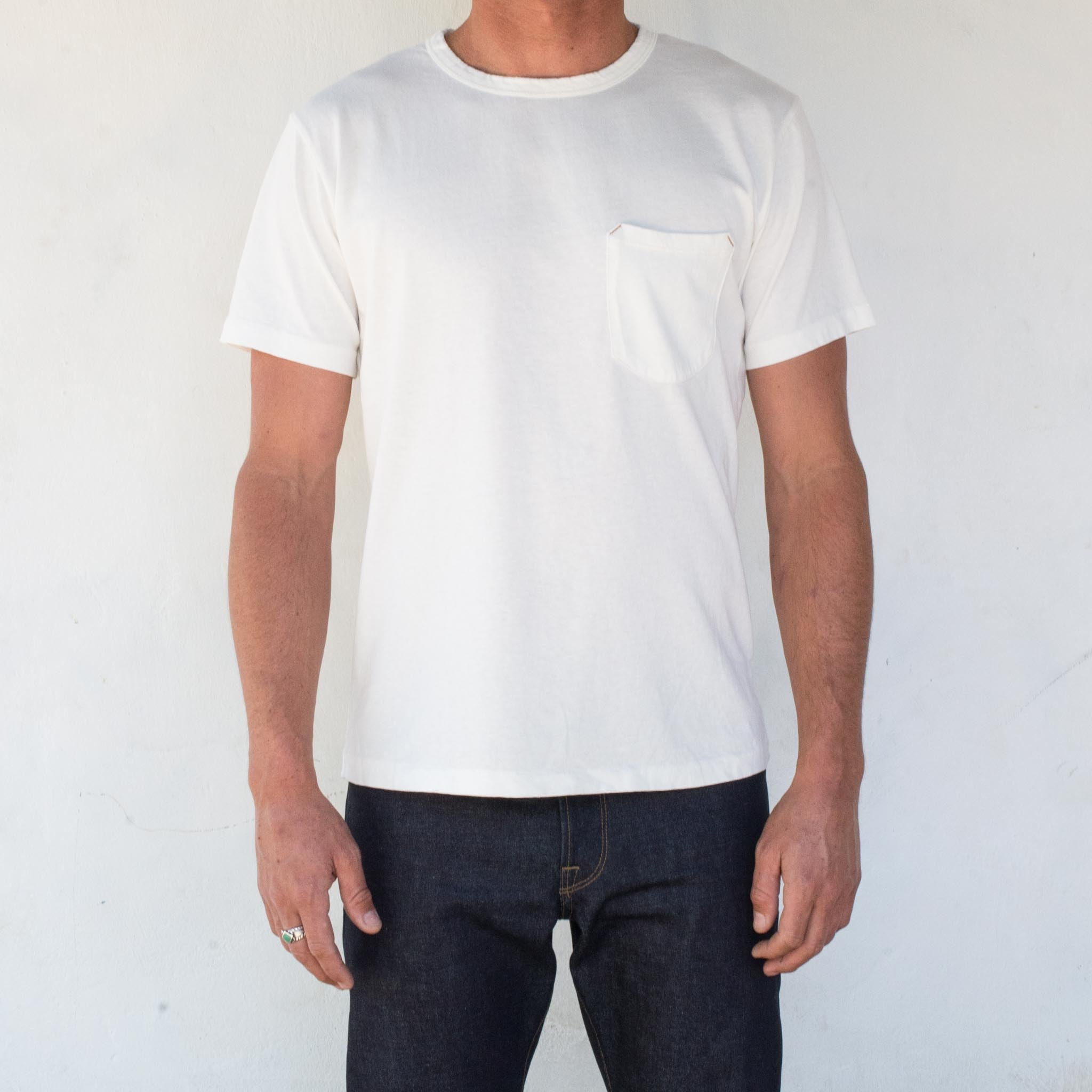 9 Oz Pocket T-Shirt <span> White </span>